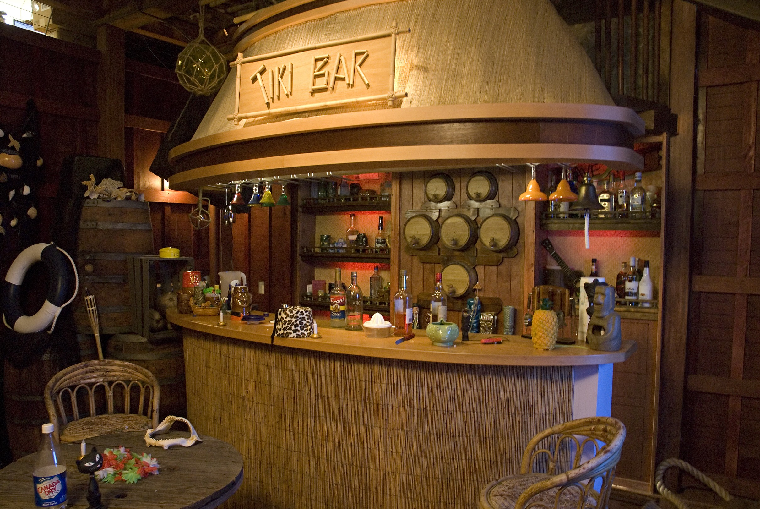 the tiki bar tv set